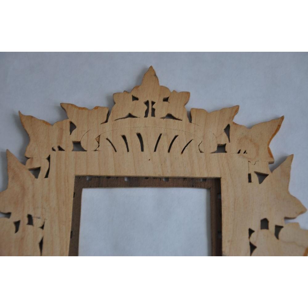 cadre photo en bois d coup la main art populaire. Black Bedroom Furniture Sets. Home Design Ideas