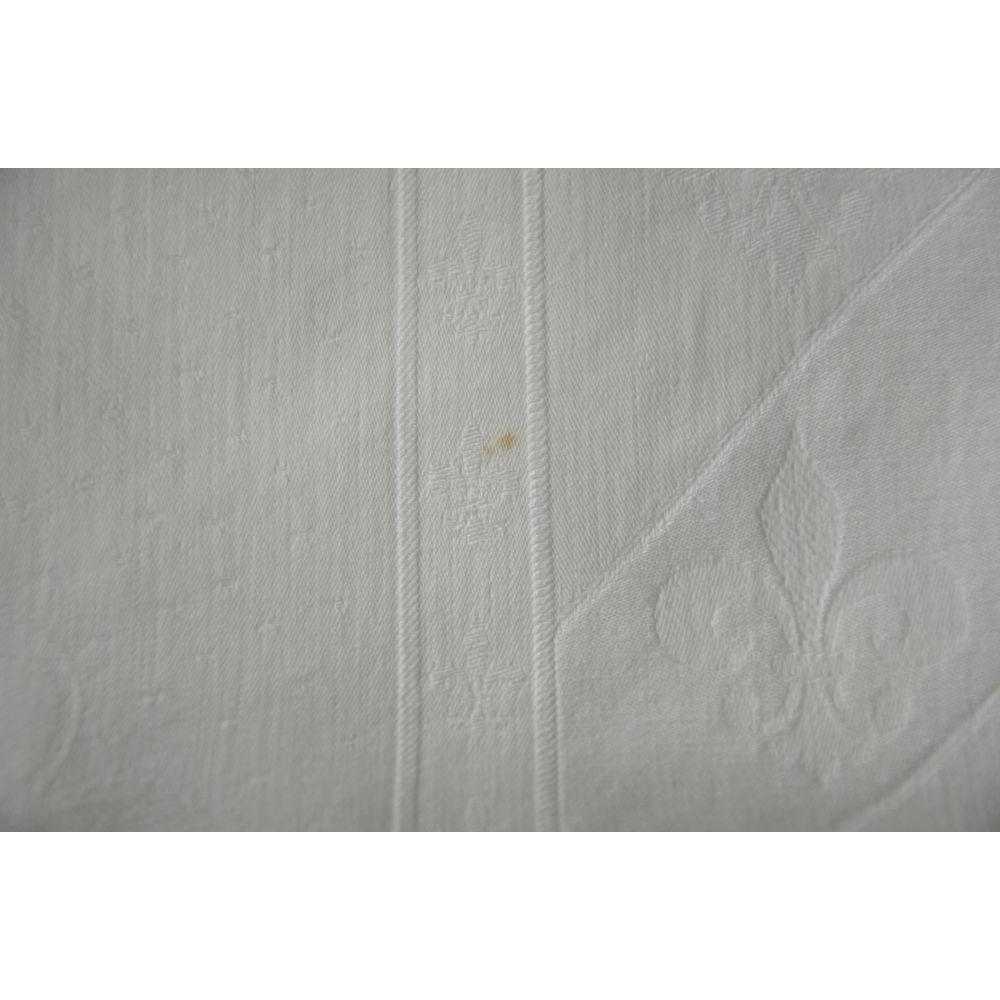 Nappe blanche damass e coton motif fleurs de lys - Nappe damassee blanche ...