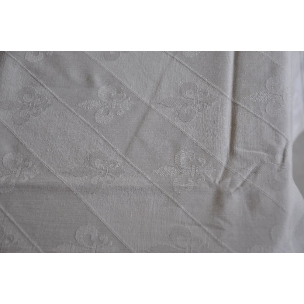 ... Damask White Cotton Tablecloth With Fleur De Lis Pattern ...