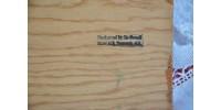 Voilier sculpté en relief sur panneau de bois