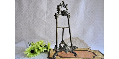 Chevalet de table en laiton style baroque