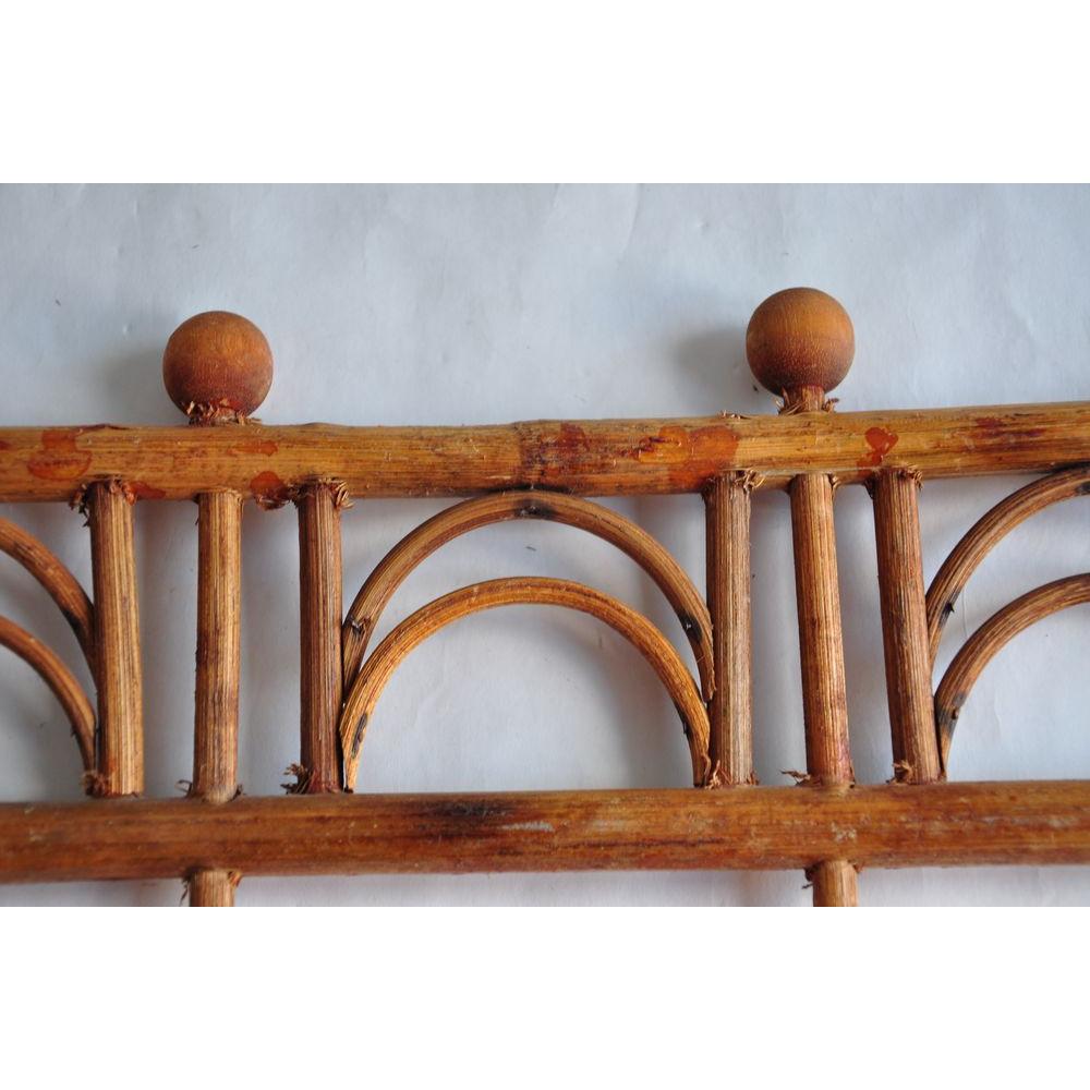 portemanteau ou pat re murale en bois et rotin antique vintage 4 crochets pliable. Black Bedroom Furniture Sets. Home Design Ideas