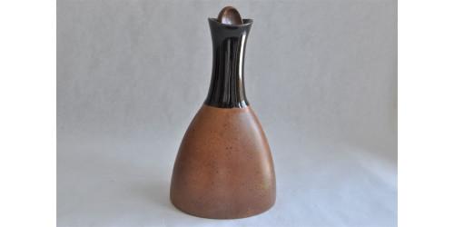 Carafe en grès brun chocolat et rouille Sial Oval