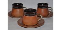 Tasses et soucoupes SIAL rouille et brun chocolat
