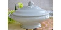 Légumier ovale 19e en faîence blanche