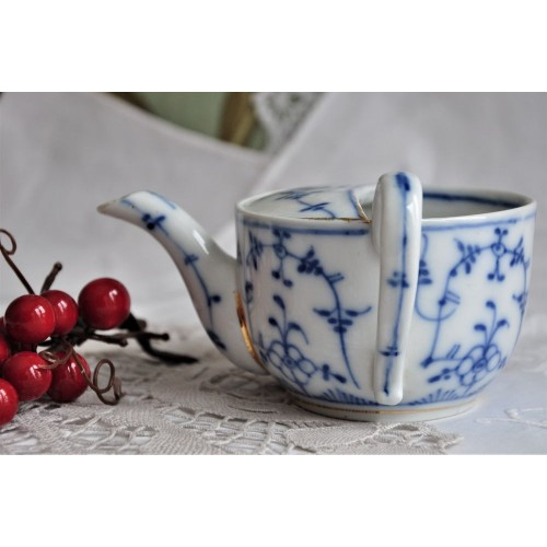 Antique Blue & White Invalid Feeding Cup