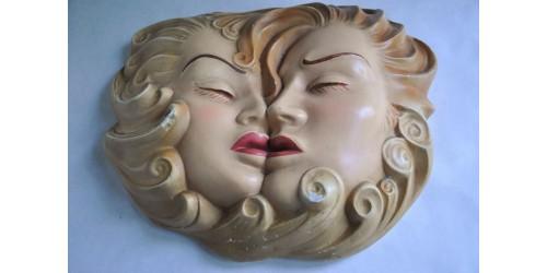 Rare sculpture profane en plâtre Art Déco T Carli-Petrucci