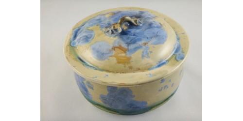 Plat couvert en porcelaine à glaçure cristalline
