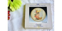 Assiette miniature M. J. Hummel de collection