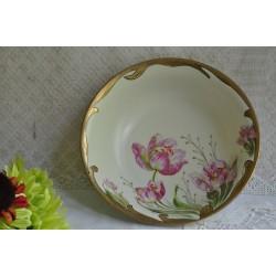 Légumier peint à la main sur porcelaine Prussia