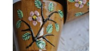 Jardinières artisanales à décor de barbotine