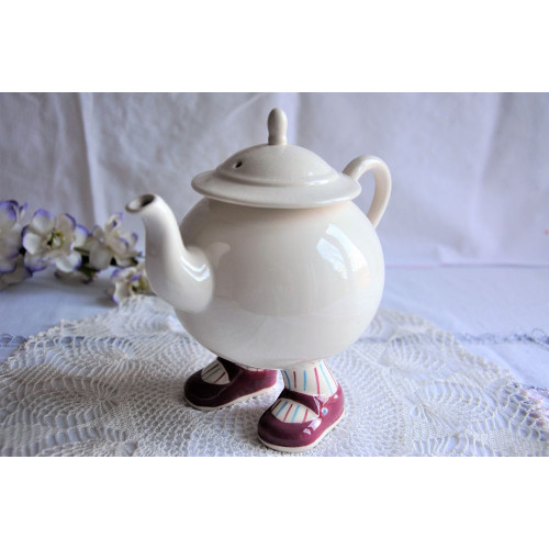 Carlton Ware Lustre Pottery Walking Ware Teapot