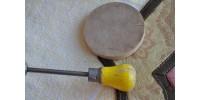 Hache-noix à poignée de bois jaune Hazel Atlas