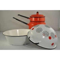 Vintage Bright and Colourful Set of Enamelware