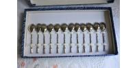 Coffret de 12 petites cuillers à café rétro