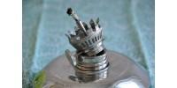 Lampe à huile miniature en étain atelier Chaudron