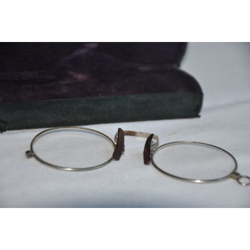 Cased Early 20th Century Antique Pinch-nose Glasses