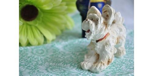 Figurine de chien en plâtre ancienne