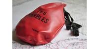 Sac rouge en vinyle de 105 billes vintage