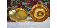 Petit ciboire en métal doré