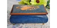 Boîte à musique en marqueterie de bois précieux