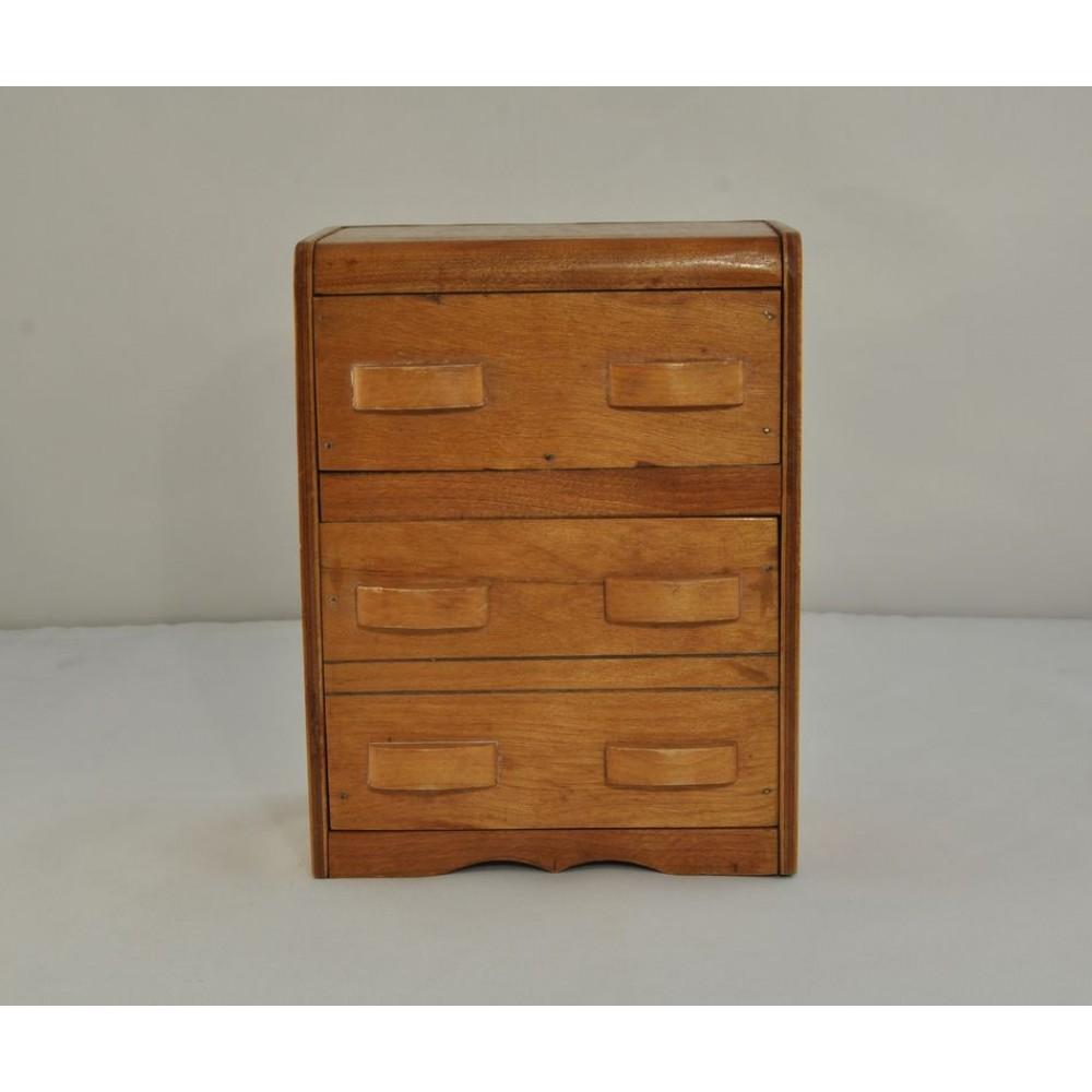 Commode miniature meuble de poup e chantillon de repr sentant for Petit meuble trois tiroirs