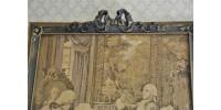 Tapisserie tissée ancienne dans son cadre d'origine