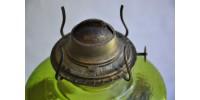 Lampe à huile verte à cheminée d'origine