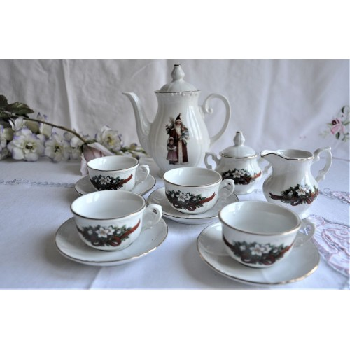 Roehler Collection Kahla Child's Tea Set