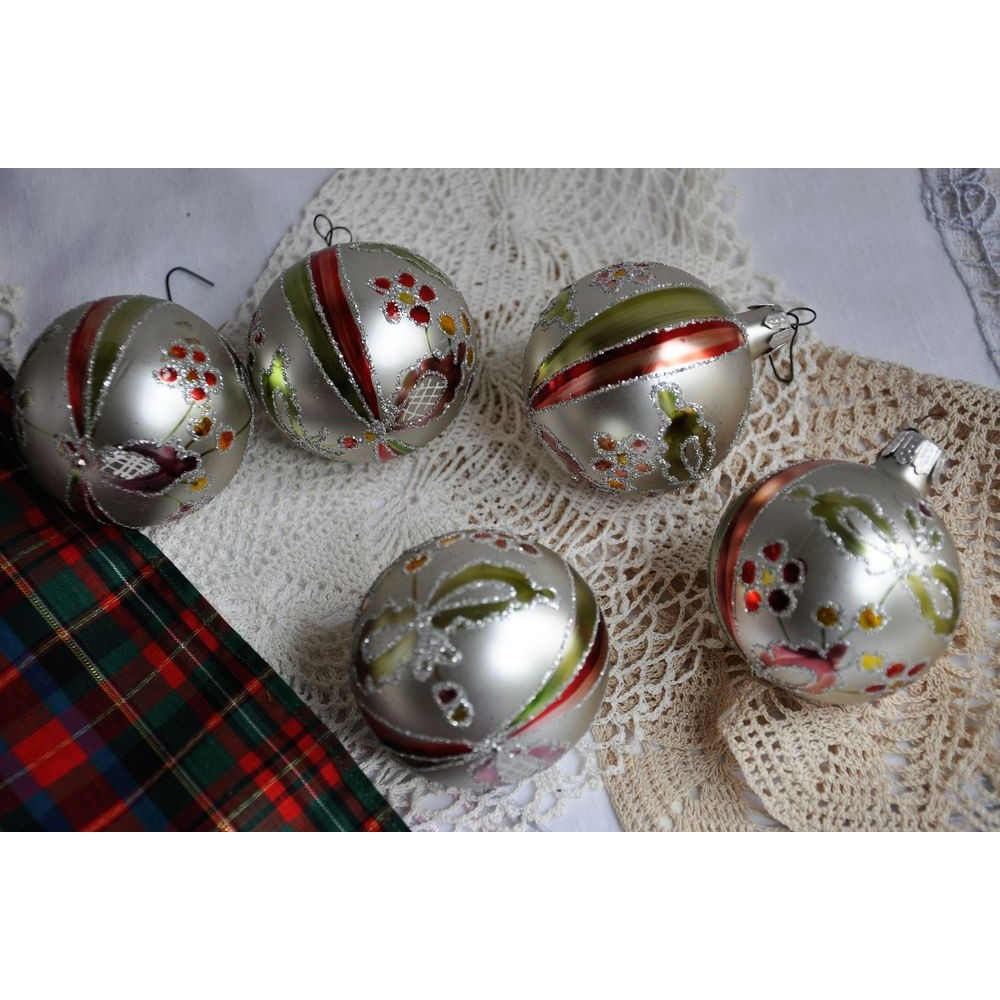 Vintage Boxed Glass Hand Painted Xmas Balls Romania