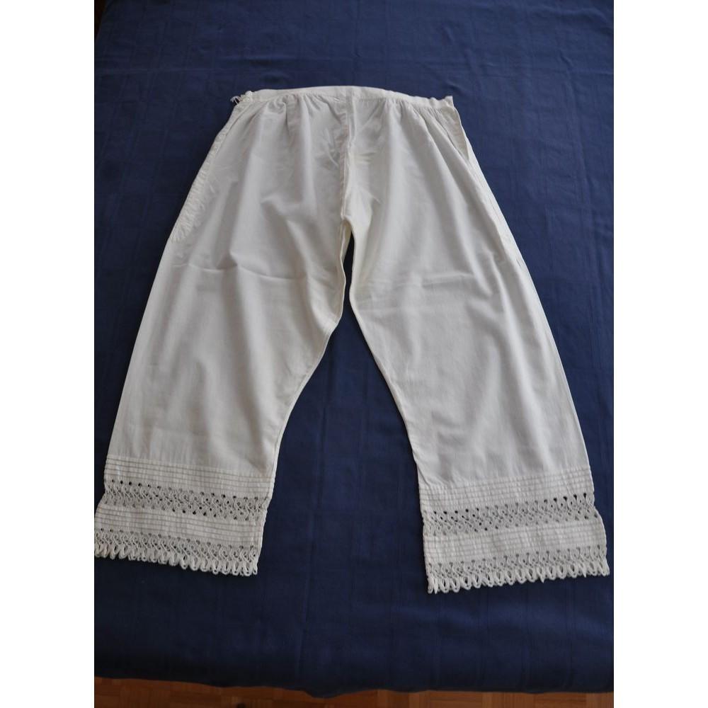 culottes victoriennes anciennes en coton agr ment es de dentelle. Black Bedroom Furniture Sets. Home Design Ideas