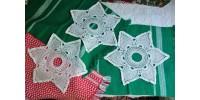 Étoiles à six branches en dentelle au crochet