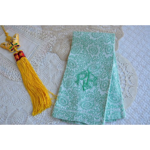 Antique Damask Jacquard Woven Hand Towel