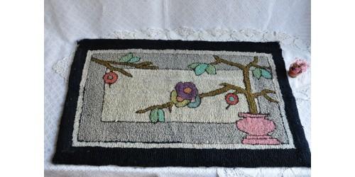 Tapis ancien crocheté rare motif art déco