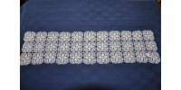 Grand chemin de table blanc en dentelle au crochet