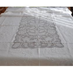 Huge Embroidered Linen and Filet Lace Tablecloth FOR GREAT OCCASIONS