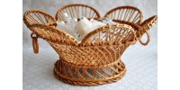 Corbeille ronde décorative en osier blanc ajouré