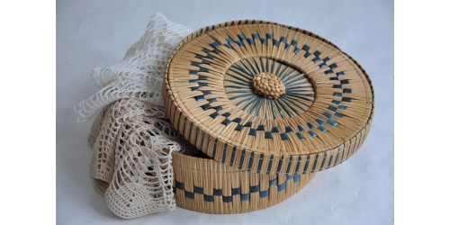 Exquisite Japanese Round Bamboo Basket with Lid