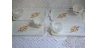Plateaux et tasses motif Wheat Anchor Hocking