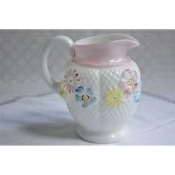 Pichet ancien milk glass américain motif Cosmos