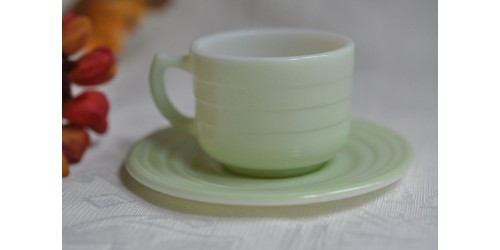 Tasse verte du service  Hazel Atlas Little Hostess