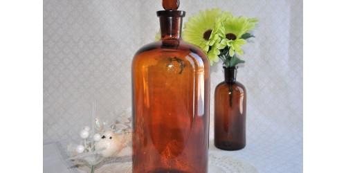 Grande bouteille de pharmacie en verre ambré