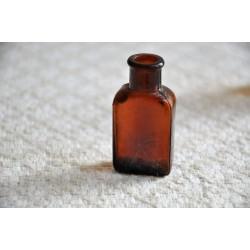 Miniature Whitall Tatum Amber Glass Vial