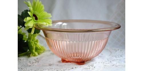 Bol à mélanger en verre dépression rose