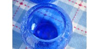 Paire de vases en verre craquelé bleu indigo